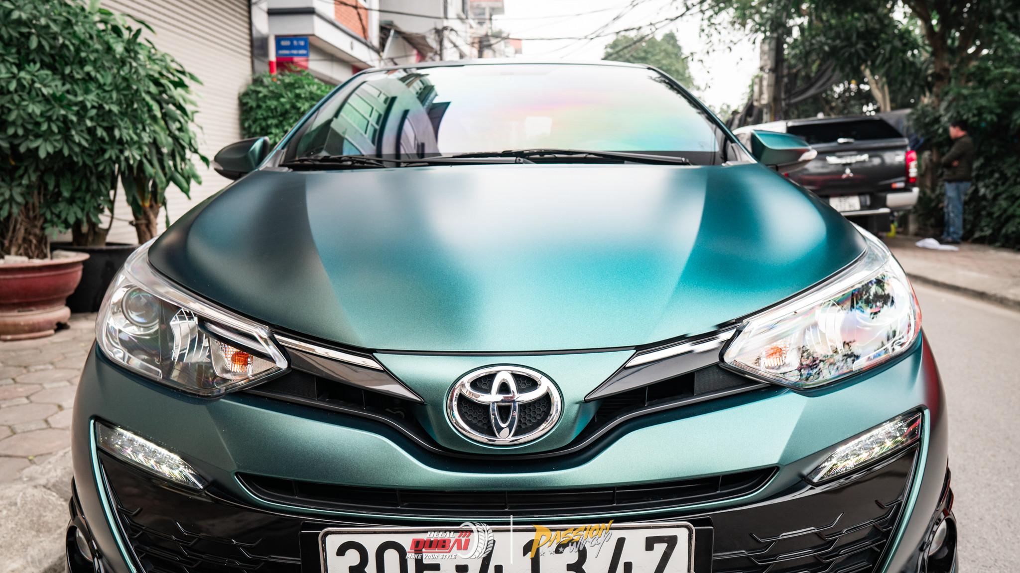 dán đổi màu xe Toyota Yaris 1