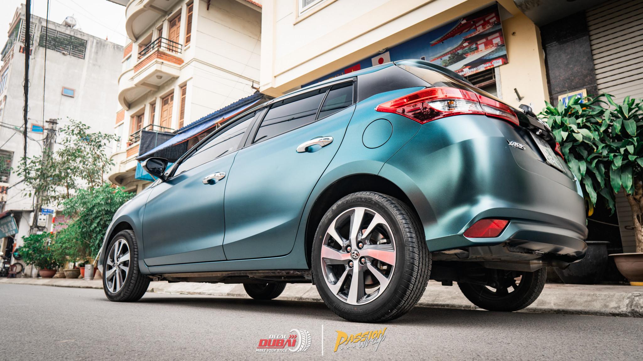 dán đổi màu xe Toyota Yaris 2