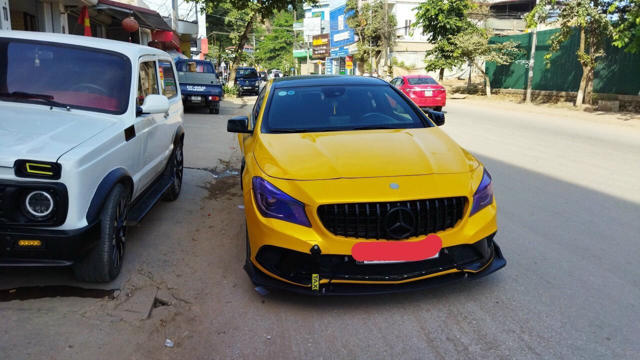 Dán Đổi Màu Xe Mercedes CLA Vàng