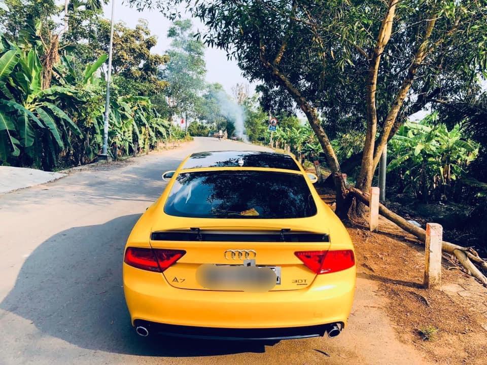 Dán Đổi Màu Xe Audi A7 Vàng