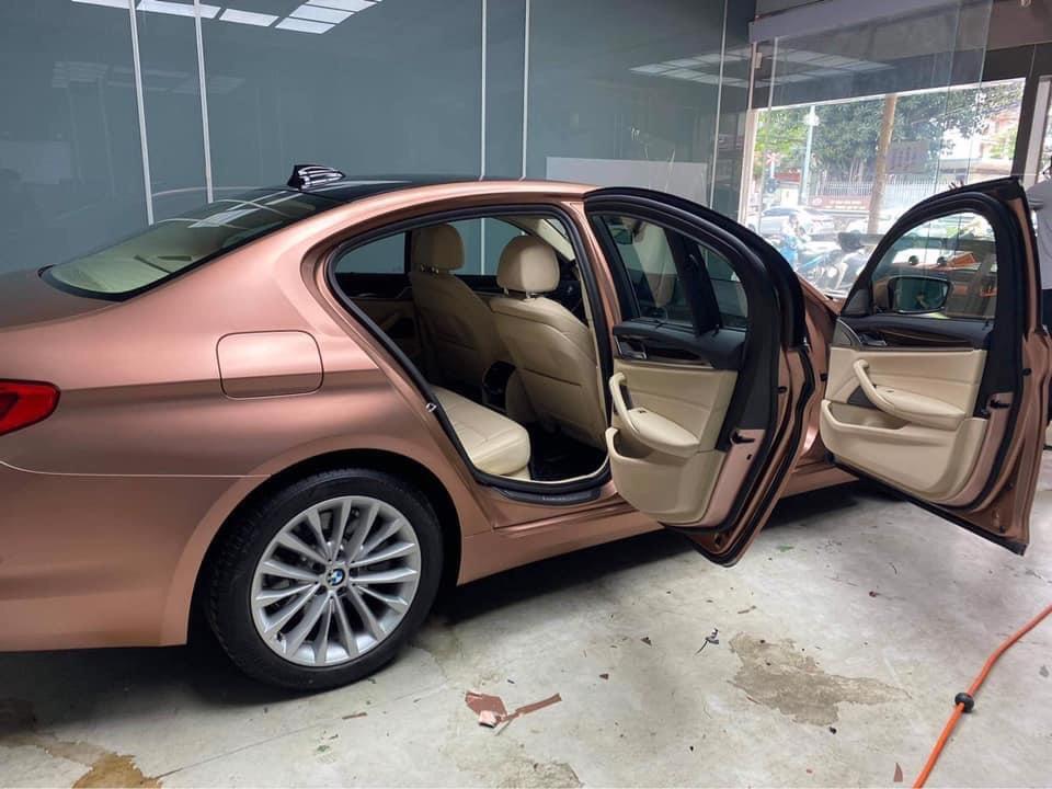 Dán Đổi Màu Xe BMW 520i Màu Đồng