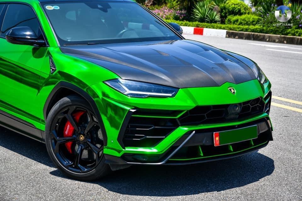 Dán Đổi Màu Xe Lamborghini Urus Xanh Lá