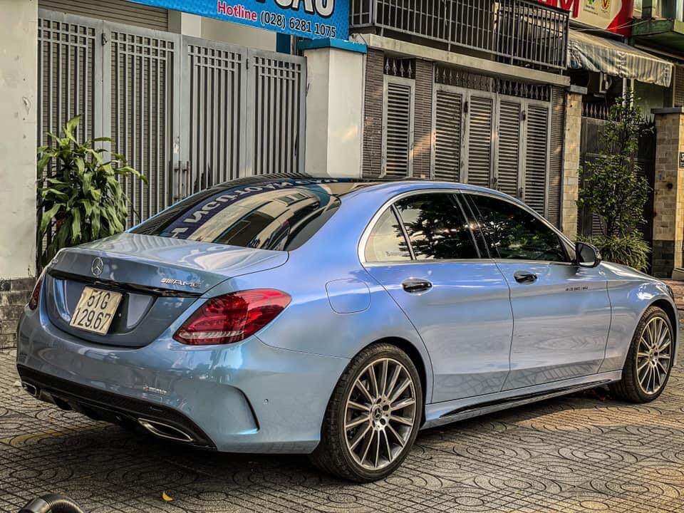 Dán Đổi Màu Xe Mercedes C300 Bạc