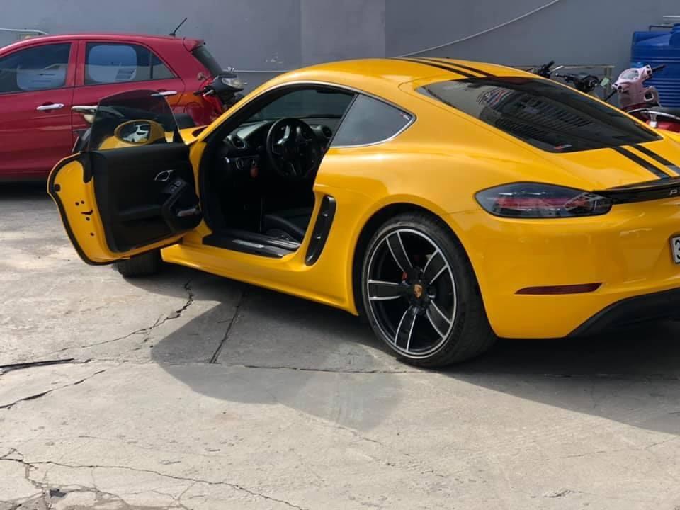Dán Đổi Màu Xe Porsche 718 Cayman S Vàng