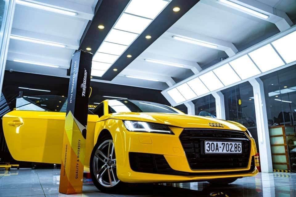 Dán Đổi Màu Xe Audi TT Vàng Ánh Kim