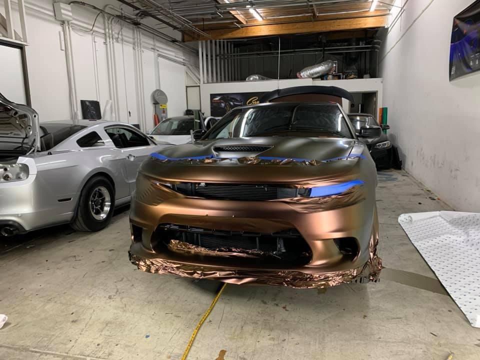 Dán Đổi Màu Xe Dodge Charger SRT Hellcat Nâu Ánh Đỏ