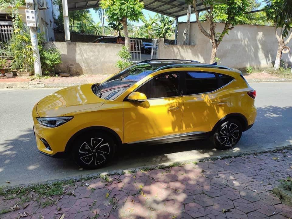 Dán Đổi Màu Xe MG ZS Vàng