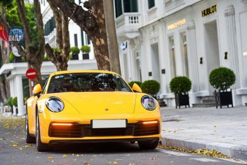 Dán Đổi Màu Xe Porsche 911 Vàng Bóng