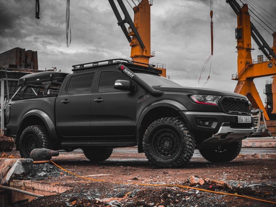 Dán Đổi Màu Xe Ford Ranger Đen