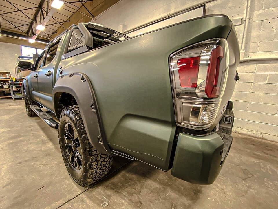 Dán Đổi Màu Xe Toyota Tundra Xanh Quân Đội